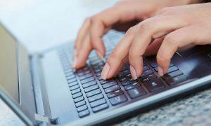 women-laptop