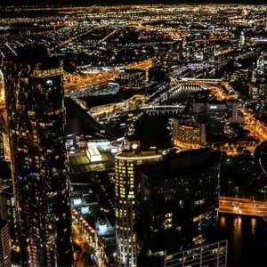 6-Melbourne-cityscape-by-night